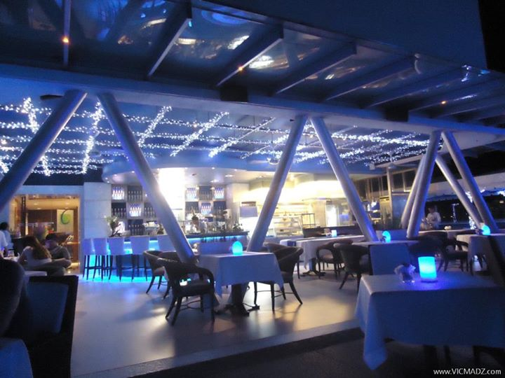 blu-bar-grill-marco-polo-plaza