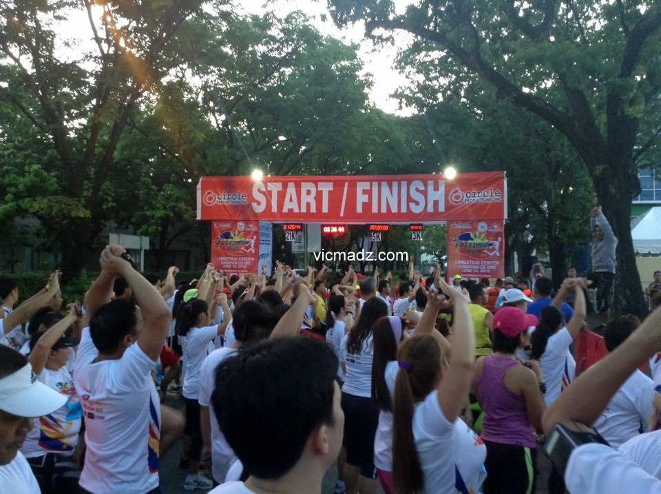 freedom-run-2015-warm-up